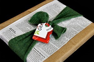 upcycled_gift_wrapping_