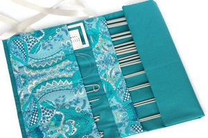 Tourqouise knitting needle case