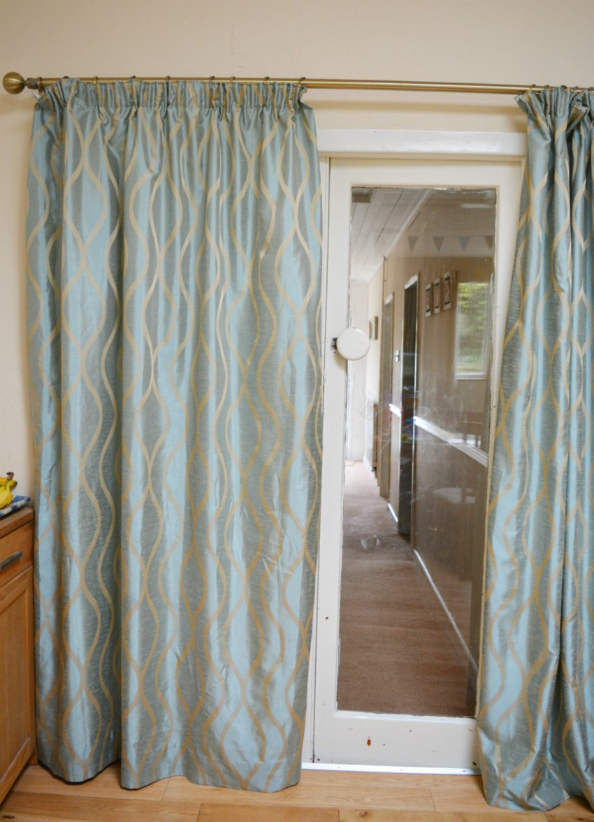 Appropriate Curtain Length 100 Properly Hanging Curtains Curtain Hanging