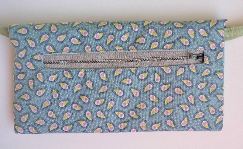Small Crossbody Bag DIY - Back view, zip pocket