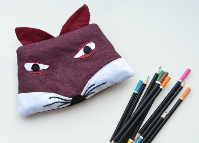 Fancy a fox zip bag? Makes a great pencil case, lip balm, in fact anything! Click trough to the blog for tutorial and free downloadable template