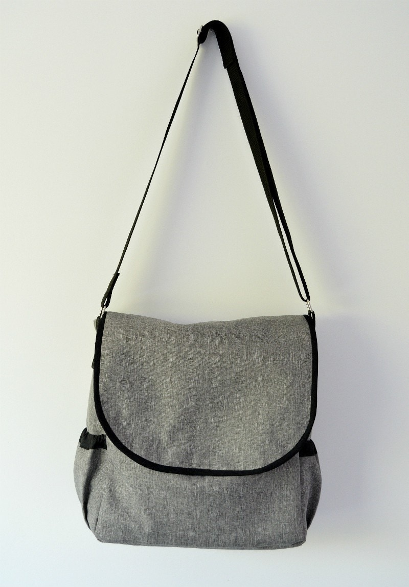 handmade-changing-bag-with-link-to-free-pattern