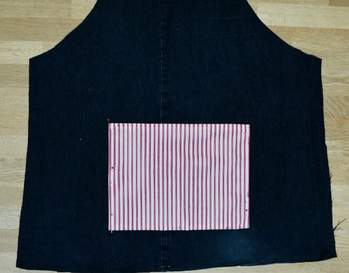pin-pocket-on-upcycled-denim-pocket