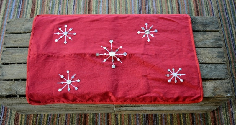 recycled-table-runner-transform-some-old-trousers-into-a-snowflake-table-runner-ready-for-the-christmas-season-have-a-diy-handmade-christmas-and-save-money