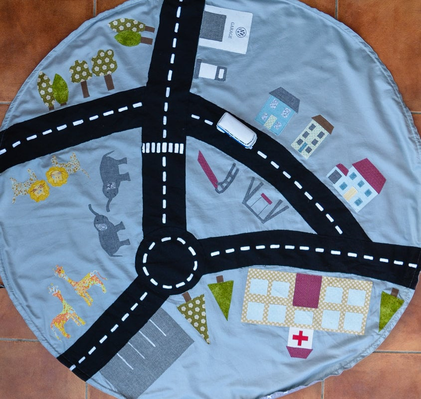 DIY drawstring car play mat (post sponsored by Volkswagen)