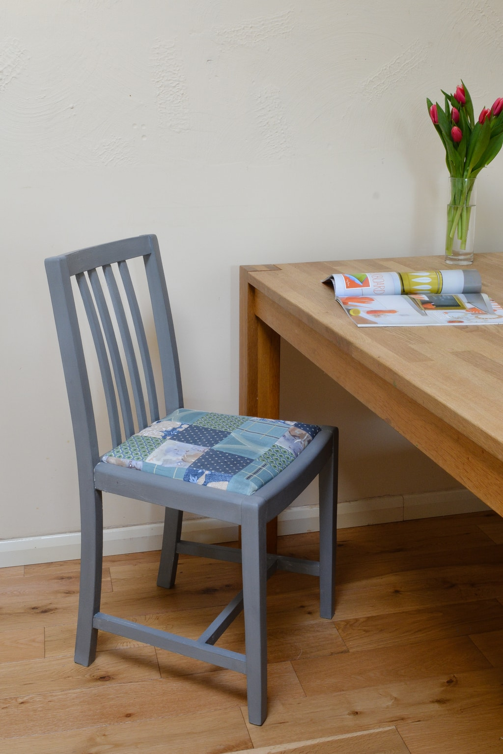Upcycle a dining room chair - use wax to prevent stains