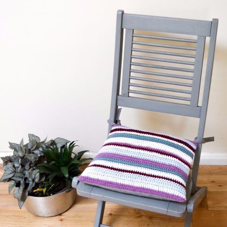 Tutorial for easy striped crochet cushion, DIY Crochet cushion for garden chair, Tutorial