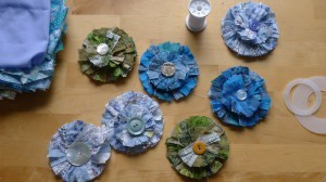Scrap fabric flower brooches