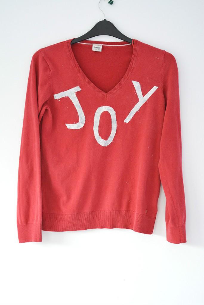 Applique letter to make a christmas jumper