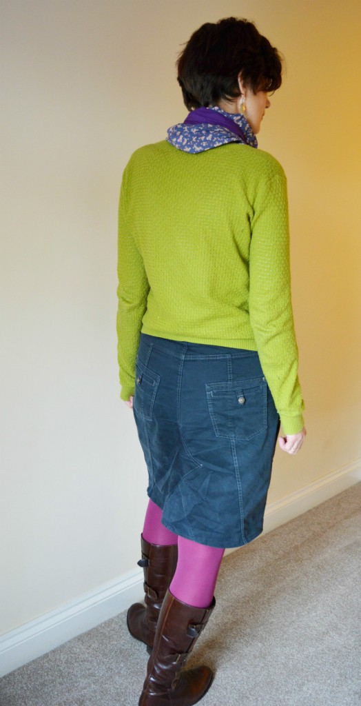 Transform your jeans into a skirt - quick and easy to do