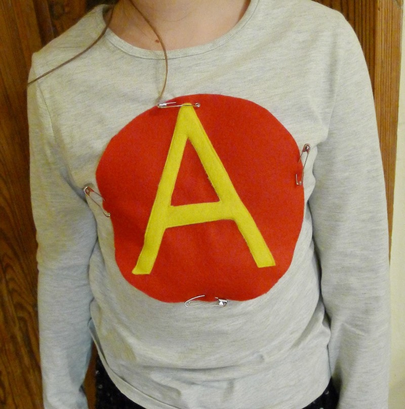 DIY Super Hero costume - decorate plain tshirt with felt logo