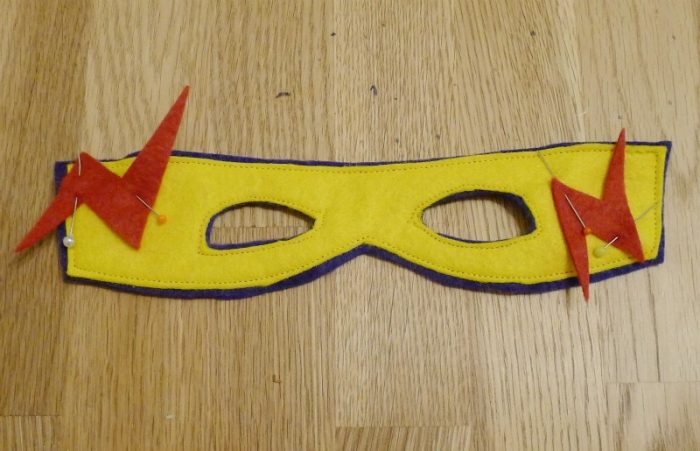 Felt super hero face mask, DIY