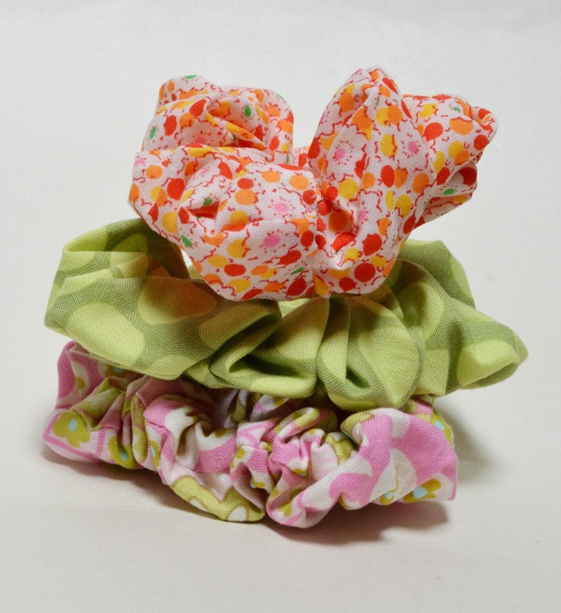 Make your own hair scrunchies