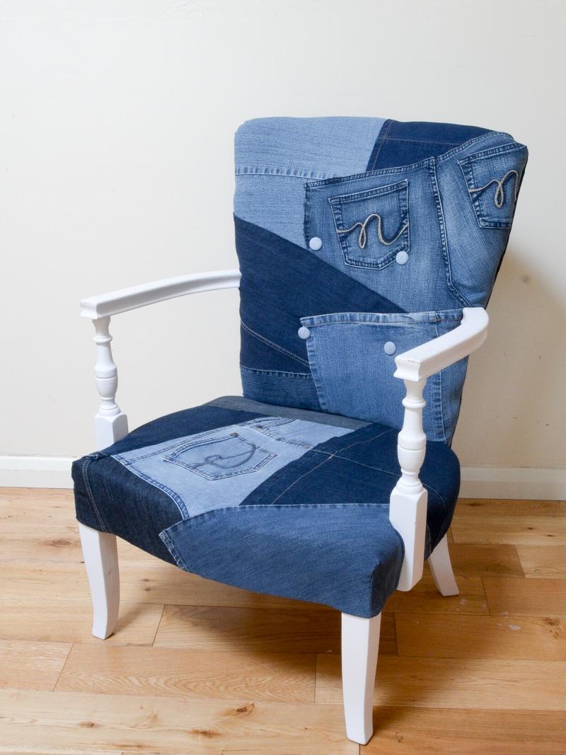 Upcycled denim chair, DIY, Tutorial, reupholster, Denim chair
