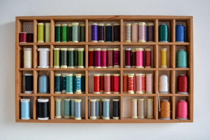 How to organize a sewing room on a budget, thrifty sewing room ideas