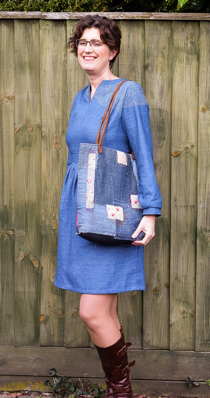 Sashiko inspired embroidered dress, learn how to transform a former curtain into a dress with hand stitching embroidery  #sashiko