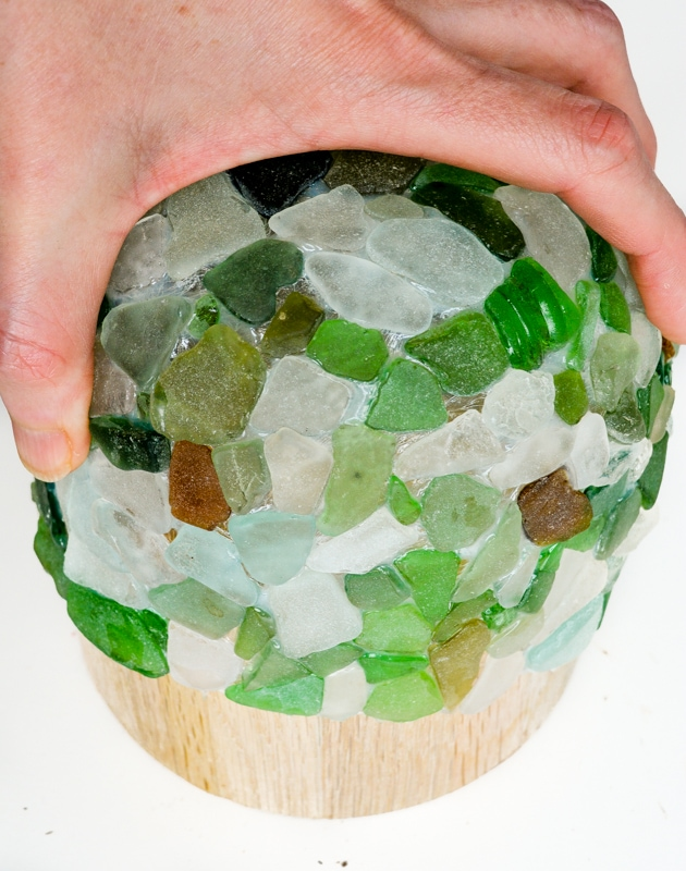 Learn how to make a sea glass bowl with tacky clue - this make a perfect craft for your lovely collected sea glass