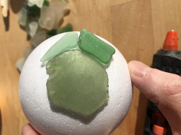 Looking for craft ideas for your collection of sea glass? create sea glass decor, quickly and easily