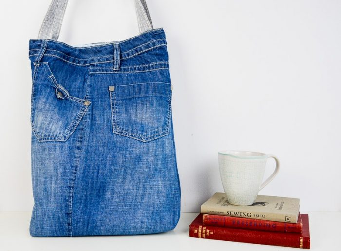 Learn how to make a denim bag from jeans. A quick and easy recycled denim bags pattern with video.