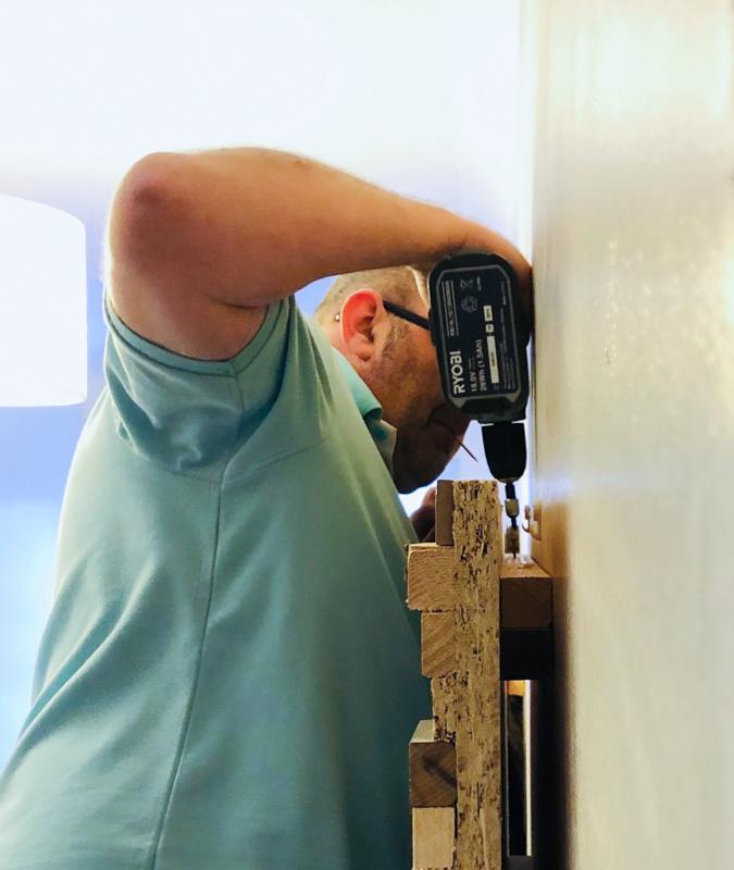 DIY Scrap wood wall art wall mounting